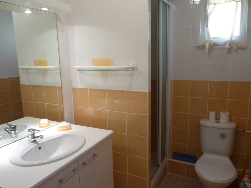 salle de bain et wc golf pont royal