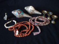 Tibetan practice items, malas and Dung-Dkar