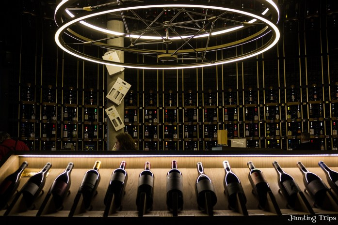 wine-cellar-citeduvin-bodreaux