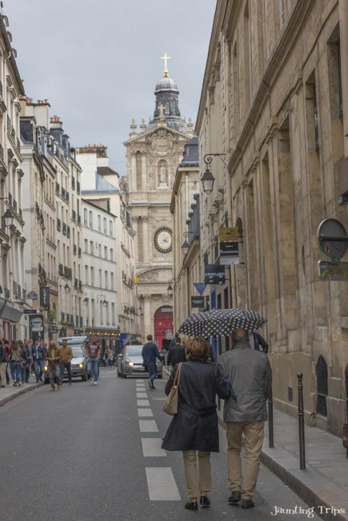 paris-couple-walking