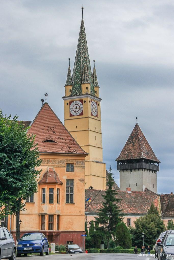 medias-fortified-church