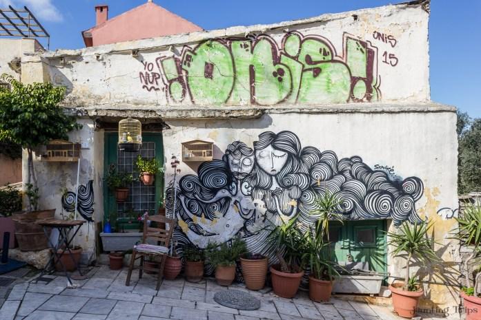 curly-girl-athens-graffiti