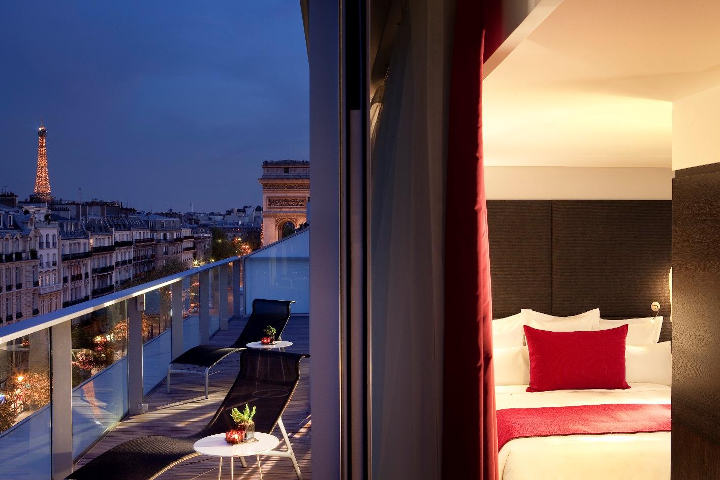 Paris Arc de Triomphe Luxury Hotel Room
