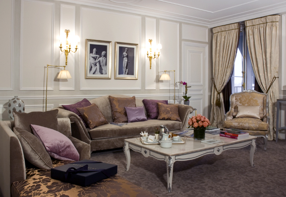 Paris Hotel Romantic Rooms - Le Meurice