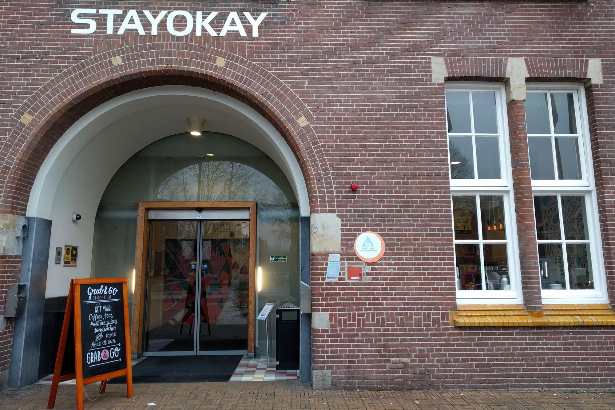 Gevel Stayokay Grab&Go op het Timorplein in het Javakwartier