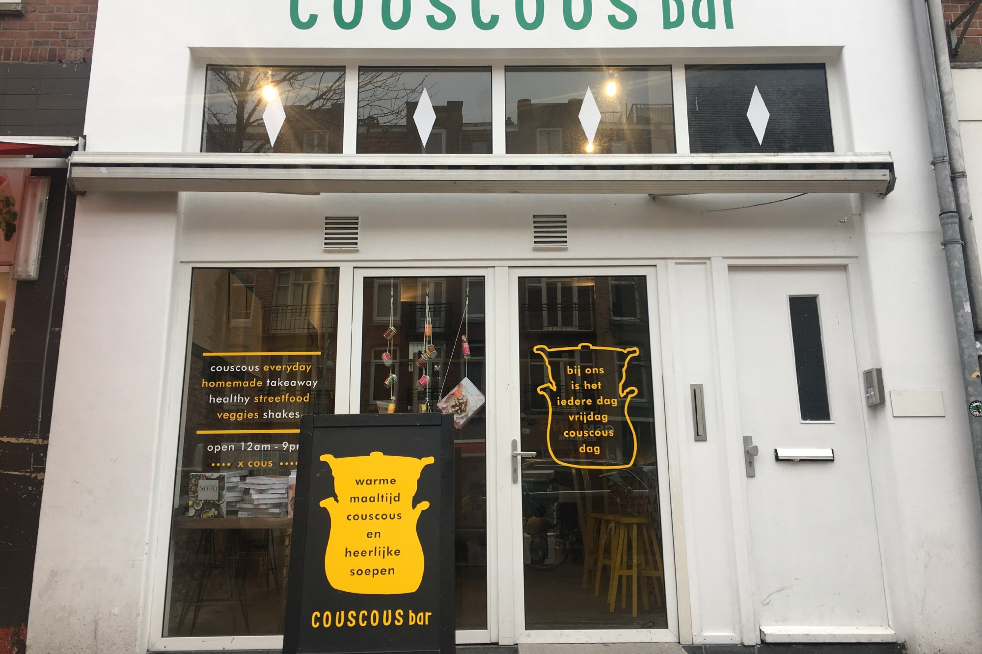 Gevel van de couscousbar op de Javastraat in het Javakwartier