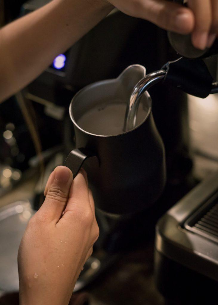 texturing milk for coffee espresso, latte, cappuccino