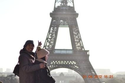 Eiffel bg landscape