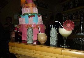 Combinados y tarta de gominolas