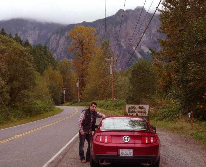 Con mi Mustang en la curva de Twin Peaks