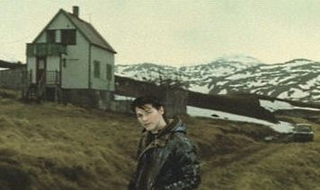"""Fotograma del videoclip """"lifelines"""" de A-ha"""