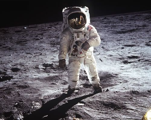 Paseo lunar. Misterios sobre la llegada del hombre a la luna. Conspiración. Farsa. Mentira.