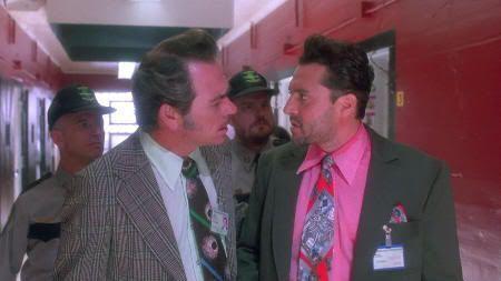 "Tommy Lee Jones y Tom Sizemore en ""Asesinos Natos"" (""Natural Born Killers"", 1994)"