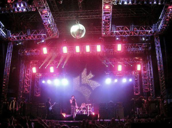 Escenario grandioso de Lenny Kravitz en León (16 de junio de 2005)