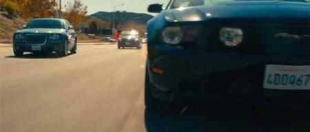 """Ford Mustang y Chrysler 300C en """"Drive"""" (2011)"""