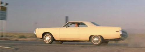 """Chrysler Newport del 71 en """"Nunca Juegues con Extraños"""" (""""Joy Ride"""", 2001)"""