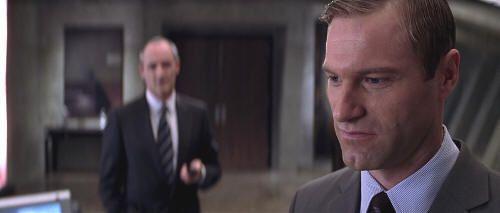 "Aaron Eckhart en ""Paycheck"" (2003)"