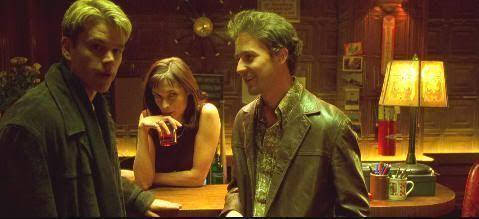 """Damon y Norton con la guapa Famke Janssen en """"Rounders"""" (1998)"""