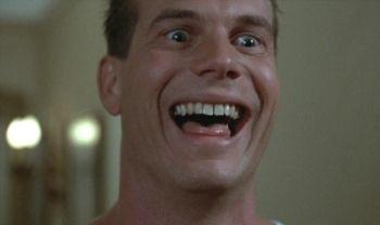 """Bill Paxton en """"La Mujer Explosiva"""" (""""Weird Science"""", 1985)"""