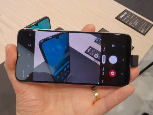 هاتف Samsung A30