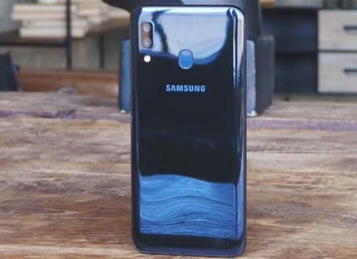 جوال Samsung Galaxy A20