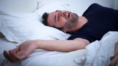 لماذا نشعر أحيانا بالسقوط في فراغ أثناء النوم؟