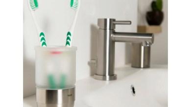 احذر لهذه الأسباب لا تضع فرشات أسنانك في الحمام بعد اليوم!