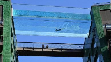 « Sky pool» أول مسبح شفاف ومعلّق في العالم