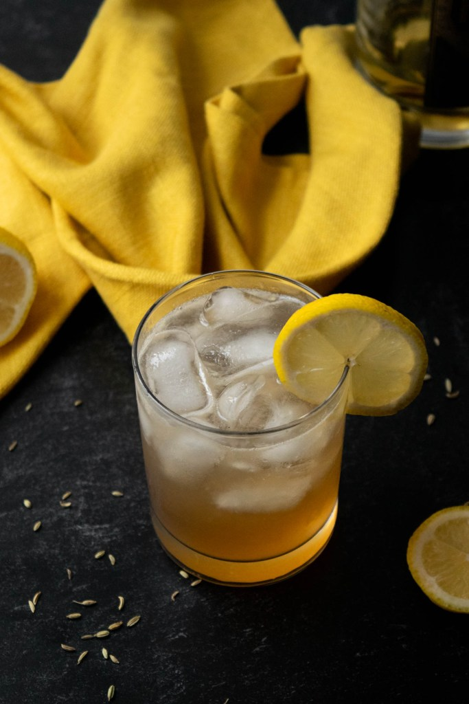 spiced fennel vanilla bourbon slammer cocktail