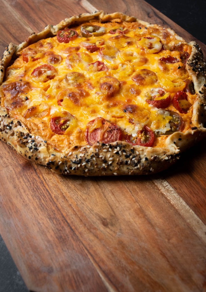 baked pimento cheese tomato everything bagel galette