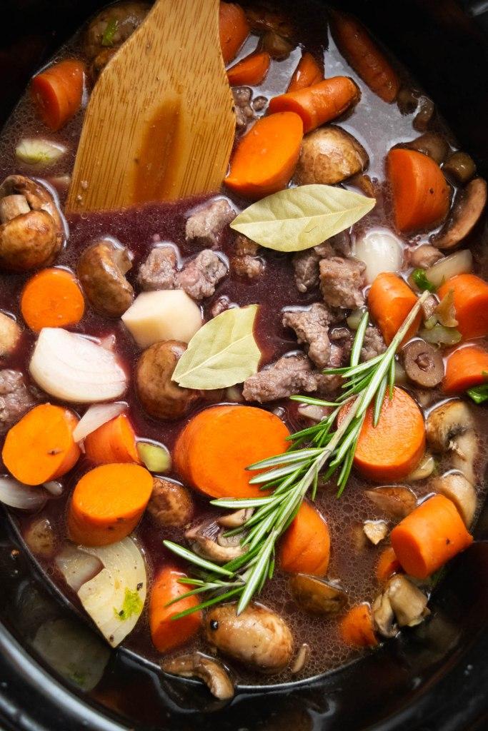 adding wine to crockpot stew