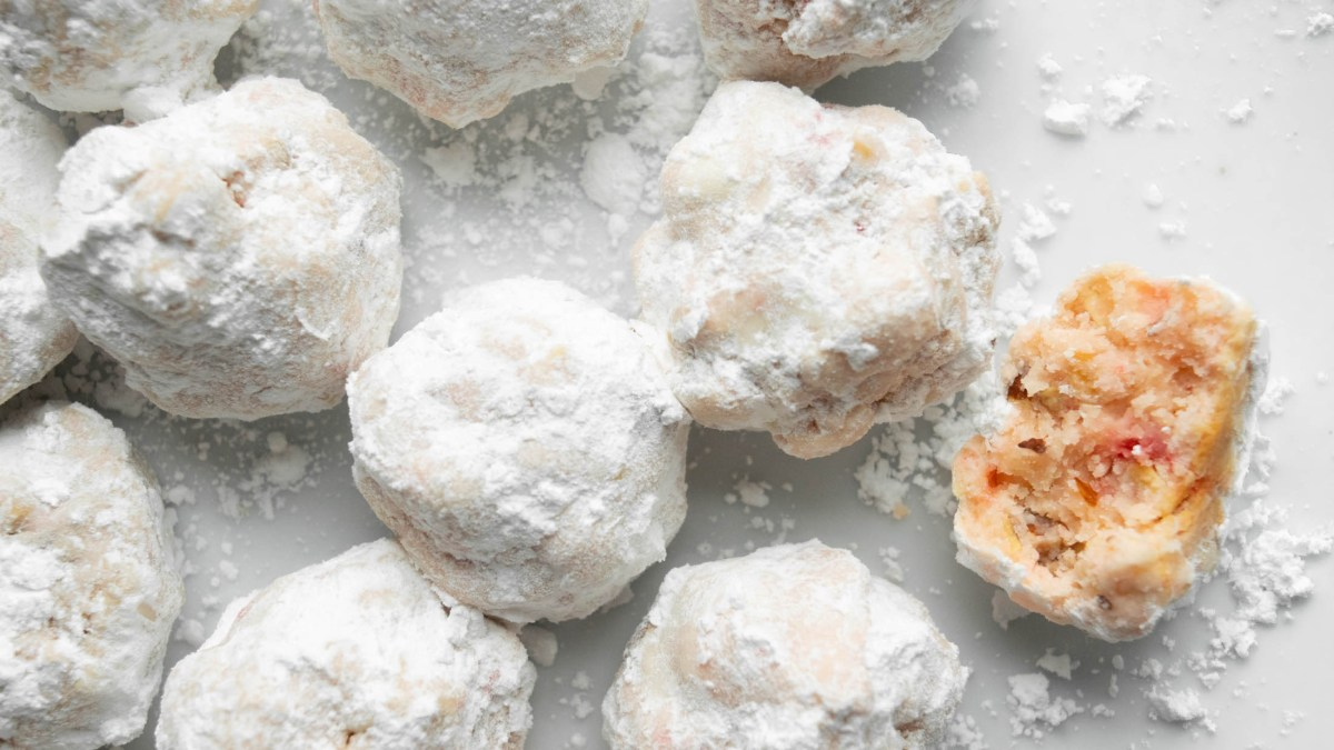 Gluten Free Snowballs with Cherries, White Chocolate and Almonds