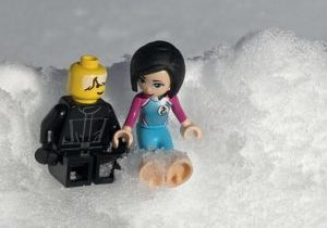 Lego versions of Faith and Ripley sitting in snow