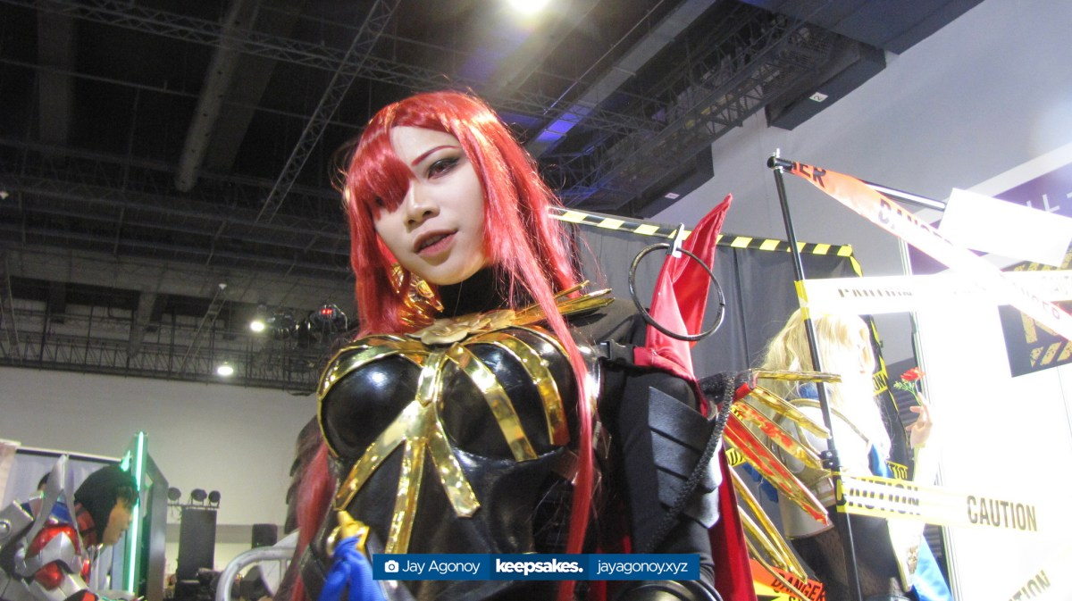 Ai Natsumi, cosplaying as Oda Nobunaga (Avenger, 3rd Stage) from Fate/Grand Order, at the Kontrabida Ball booth.