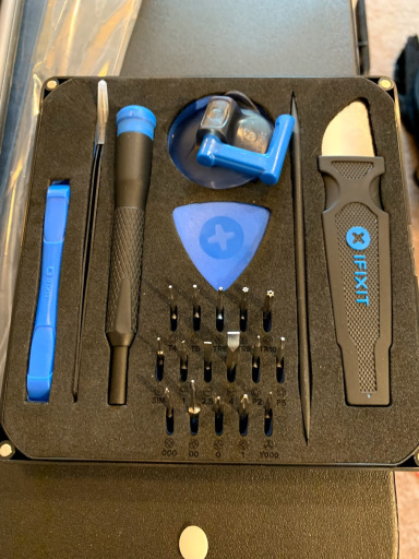 Toolkit: iFixit Essential Electronics Toolkit