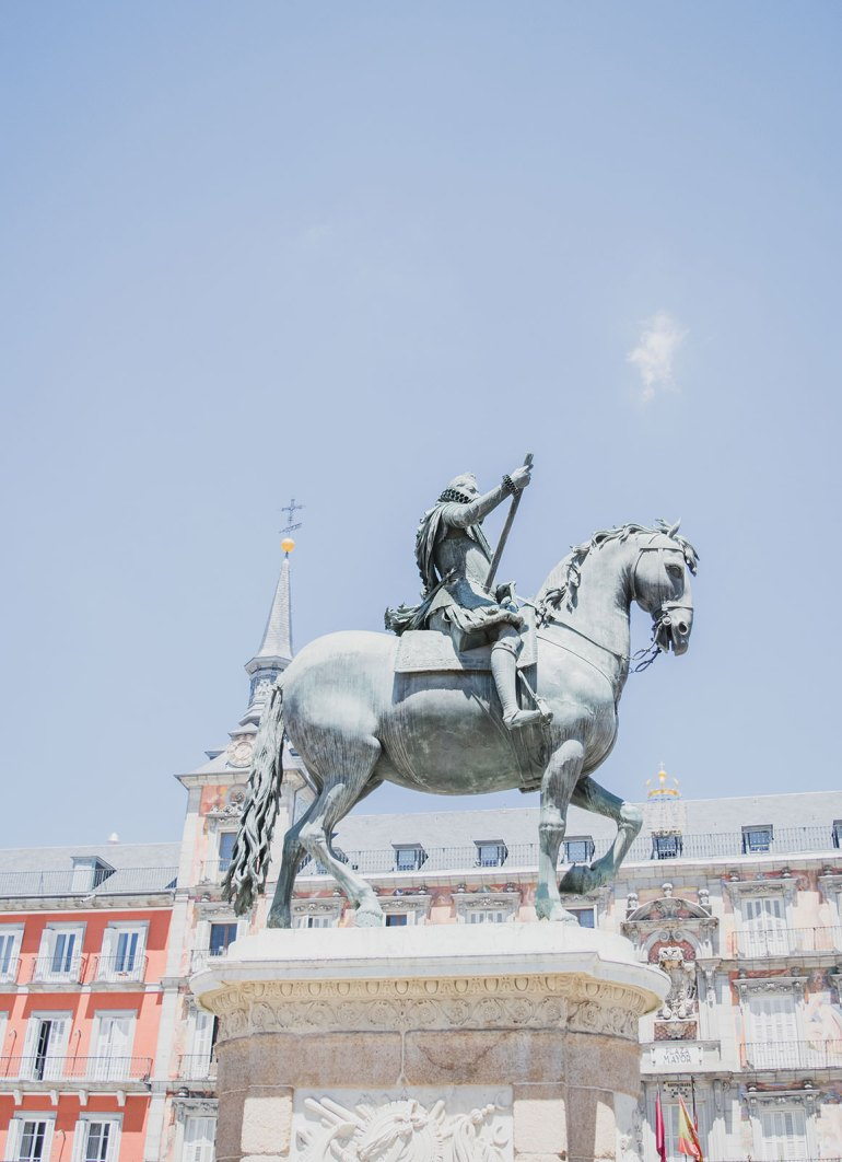Relaxed One Day Itinerary for Madrid - Puerta del Sol