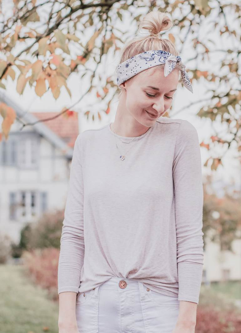 The Bandana: 3 Cute Reasons to have one in your Capsule Wardrobe
