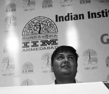 Jaydip-Speaking-at-GDG-IIMA