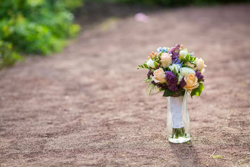 A Tip For Saving on Wedding Flowers, wedding flower budgets, Bloomerent flowers