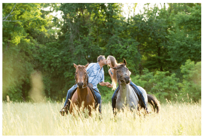 Engagement photo sessions with horses