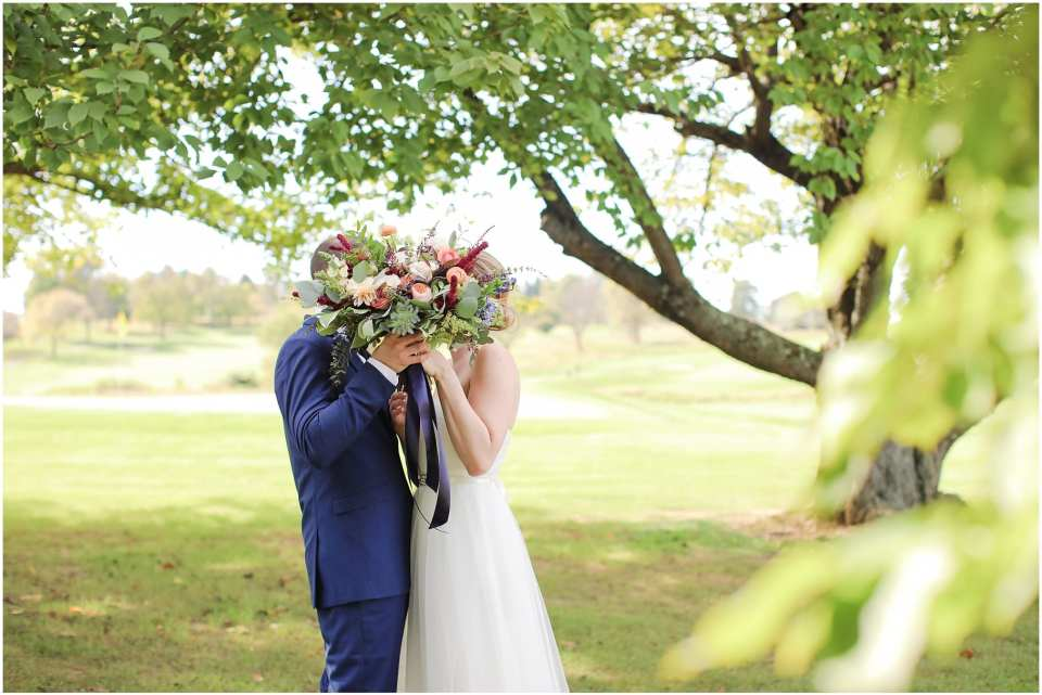 cute candid wedding photos, natural wedding photos, chester valley golf club