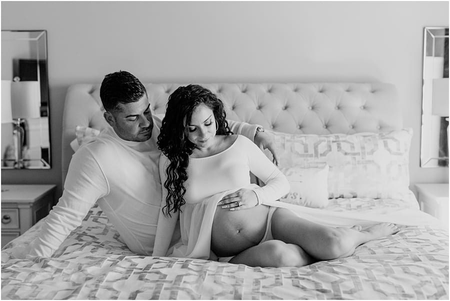 Black and white maternity photos