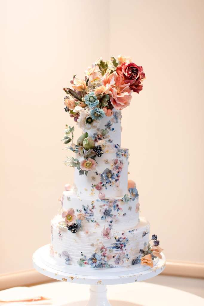 hand painted floral wedding cake, luxurious wedding cakes, maggie austin cake, Venetian wedding, Park chateau weddings