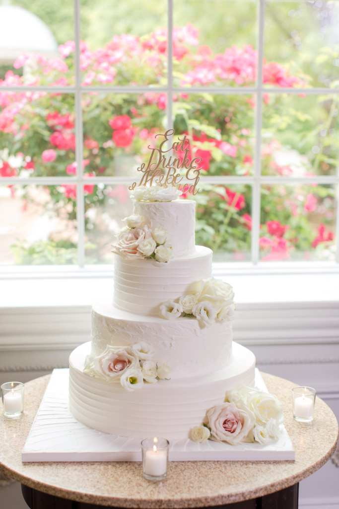 palermo's bakery wedding cakes, four tiered wedding cake, classic and elegant wedding cake design