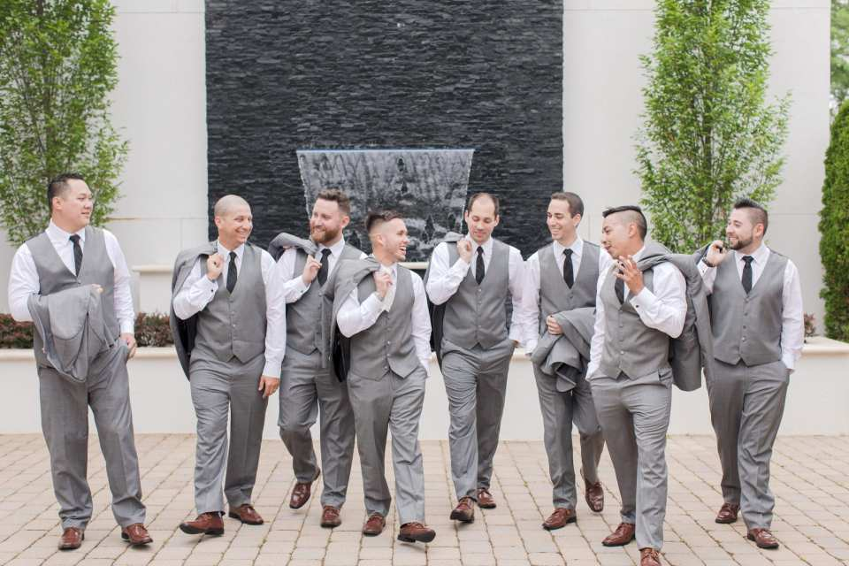 groomsmen photos at the gramercy at lakeside manor