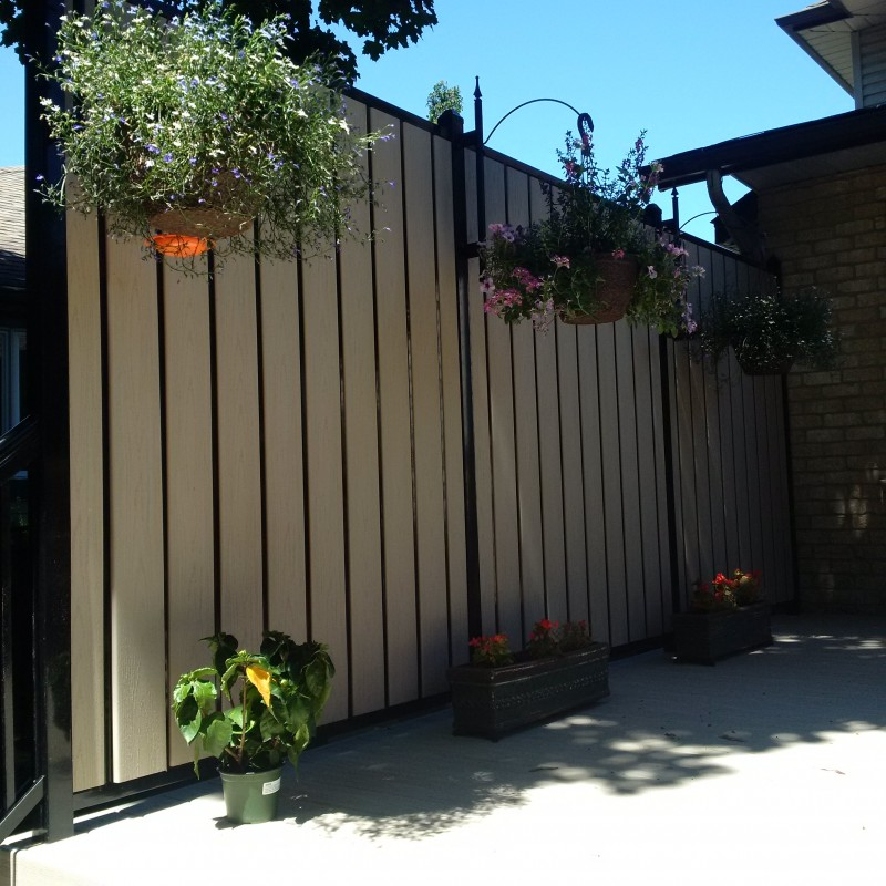 Privacy Fence Ideas - 12 Super Private Designs on Decorations For Privacy Fence id=65803