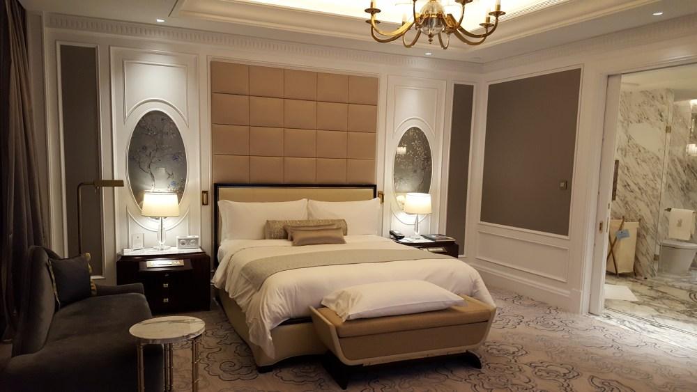 rtiz carlton suite macau bedroom
