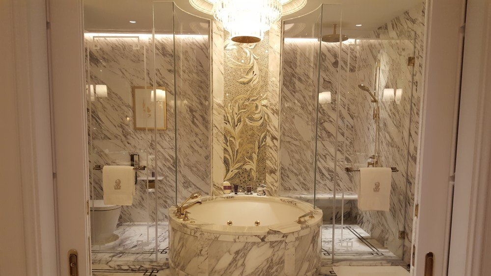 ritz carlton suite macau bathroom