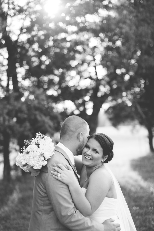 Jayna Watkins Photography // East Tennessee Wedding, Lifestyle, and Portrait Photographer // Knoxville, Tennessee // The Barn at Cedar Ridge Wedding // May Spring Wedding // Tennessee Barn Wedding // Tennessee Wedding