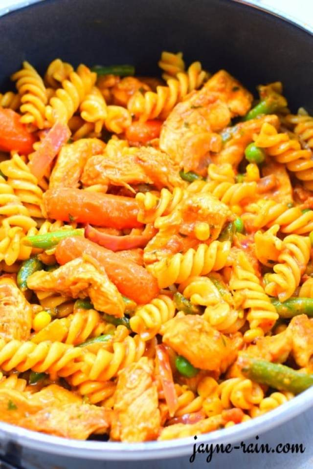 chicken-curry-pasta